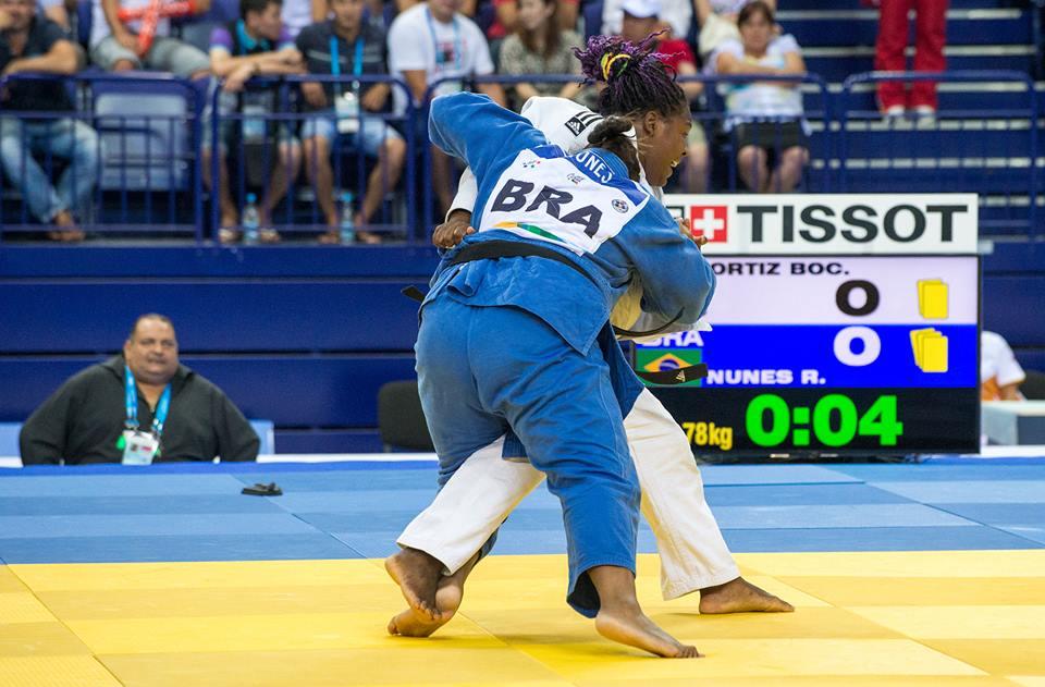 Rochele Nunes vence campeã olímpica e é ouro
